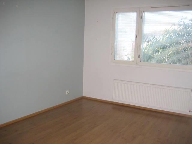 Kyöstinpolku 4 makuuhuone