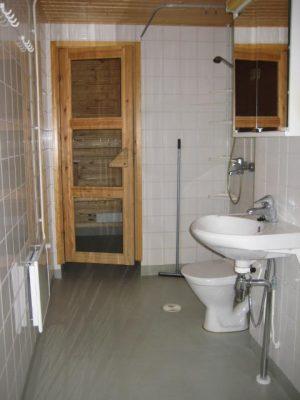 Kyostinpolku-4b-B-21-pesuhuone-sauna